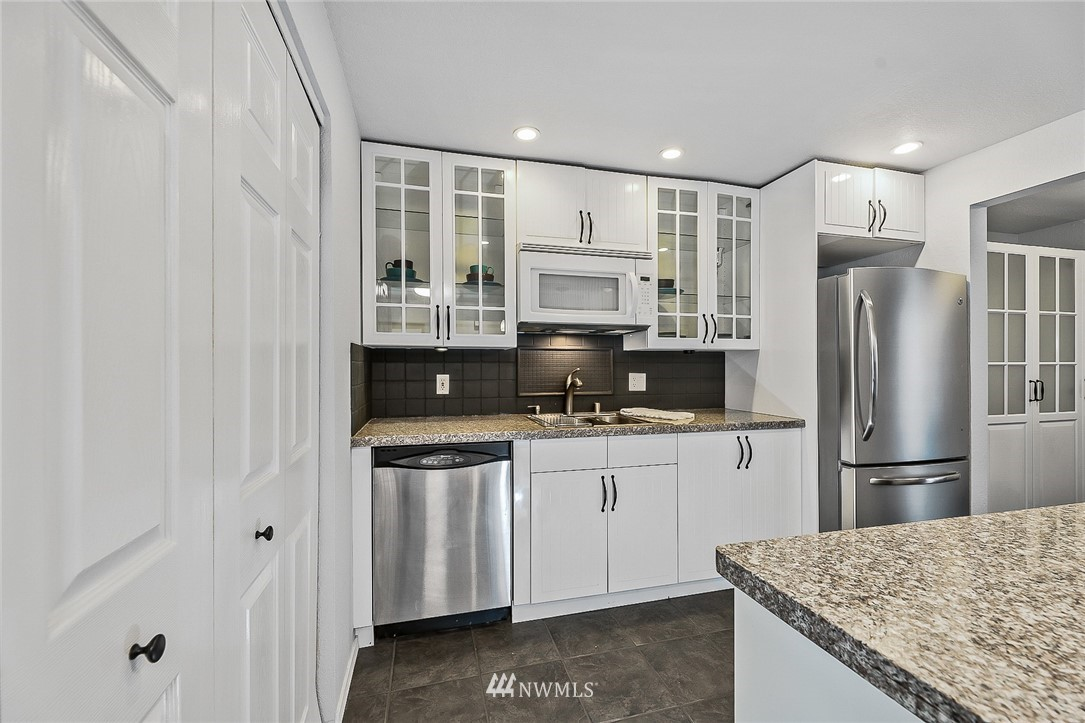 Sold Property   9474 Redmond -Woodinville Road NE #A304 Redmond, WA 98052 9