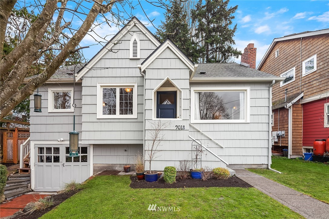 Sold Property | 9018 Phinney Avenue N Seattle, WA 98103 0