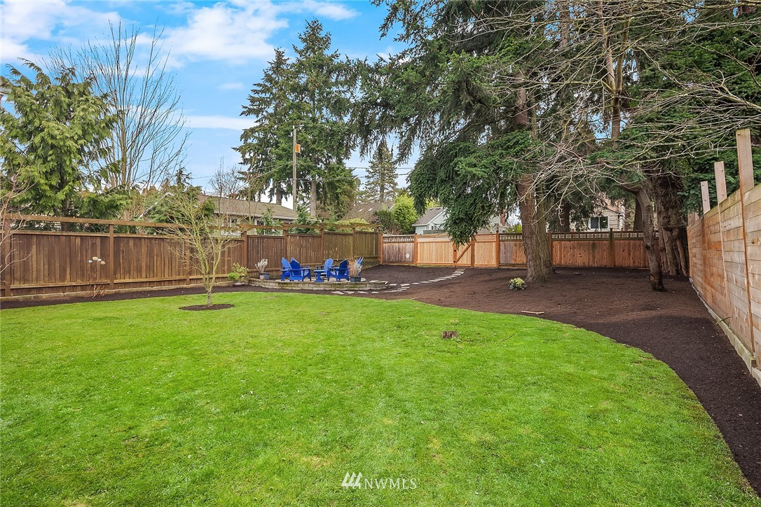 Sold Property | 9018 Phinney Avenue N Seattle, WA 98103 19