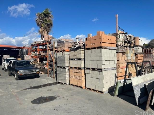 Pending   12819 S Alameda Compton, CA 90222 6
