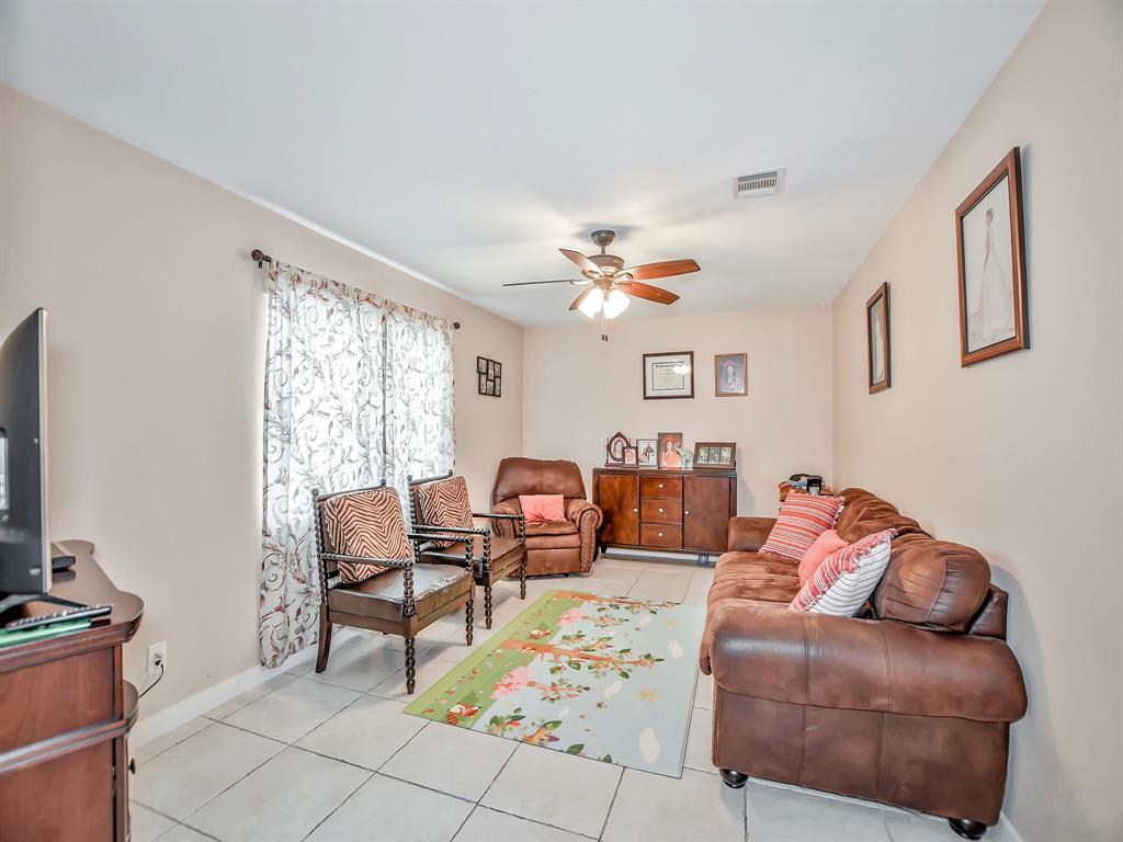 Off Market | 8835 Barton Street Houston, Texas 77075 6