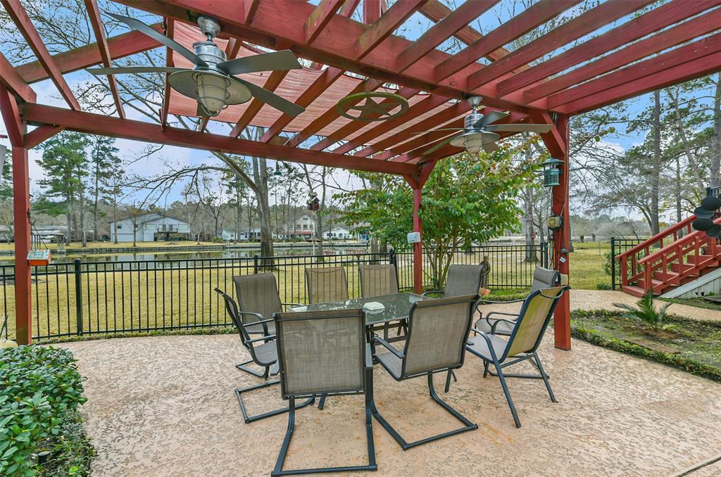 Off Market | 10 Lazy Bend Drive Huntsville, Texas 77320 10