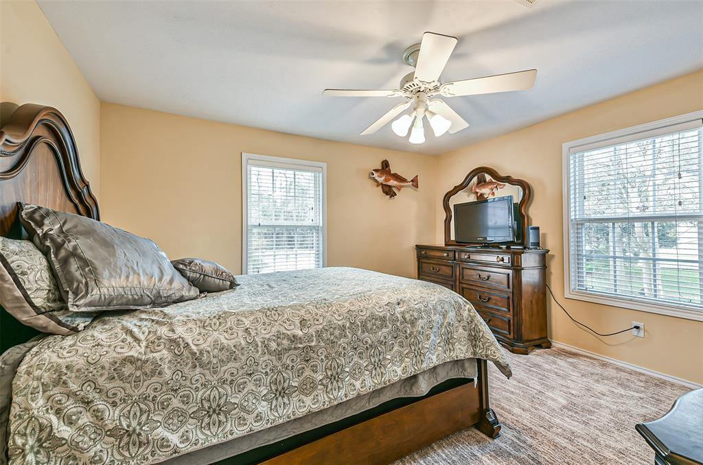 Off Market | 10 Lazy Bend Drive Huntsville, Texas 77320 40