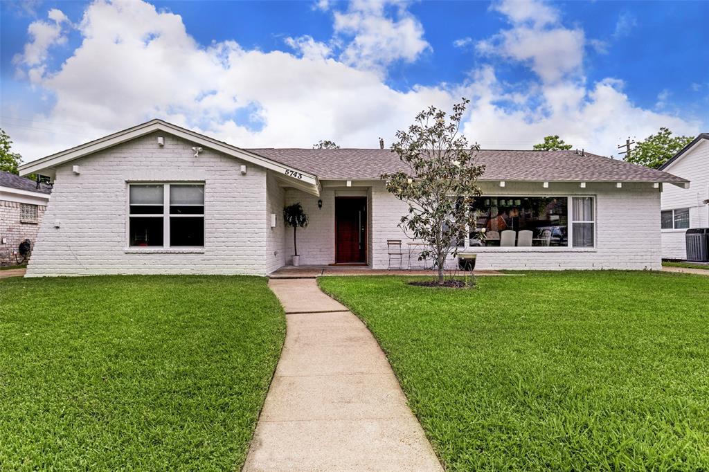 Off Market   5743 Cheltenham Drive Houston, Texas 77096 2