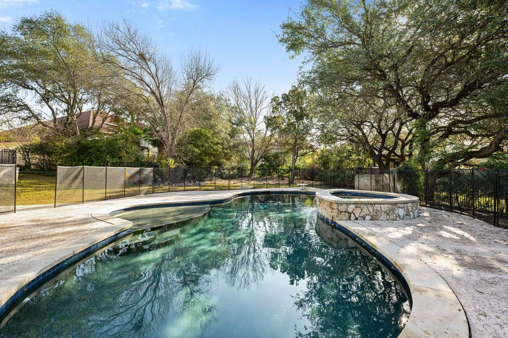Closed | 51 Cottondale Road The Hills, TX 78738 30