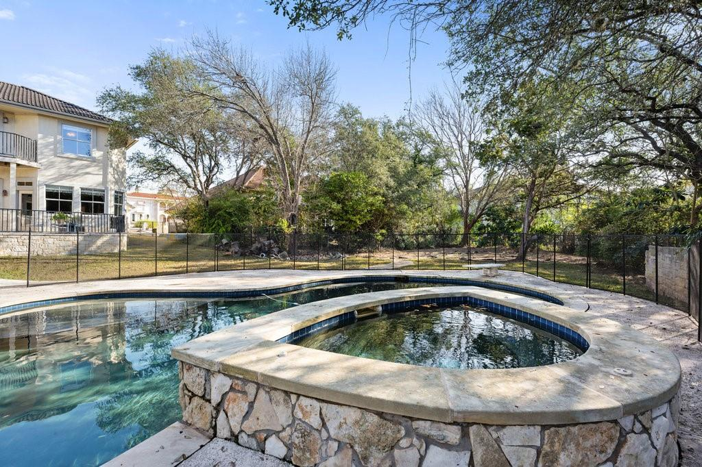Closed | 51 Cottondale Road The Hills, TX 78738 31