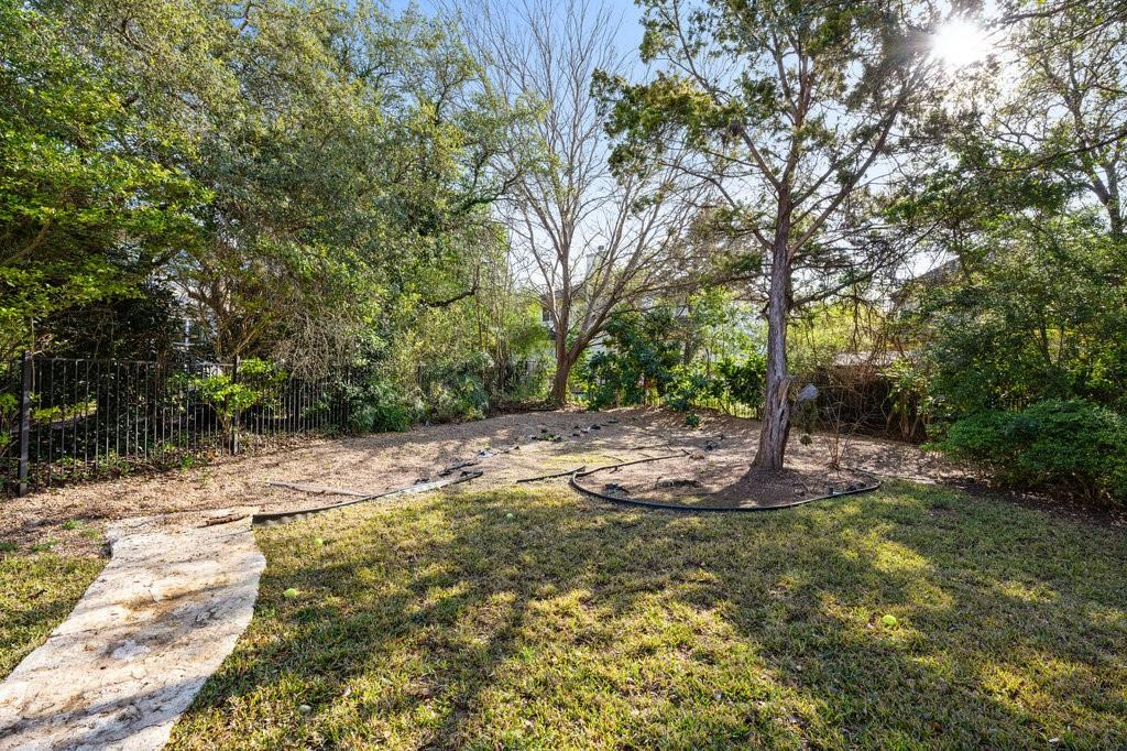 Closed | 51 Cottondale Road The Hills, TX 78738 34