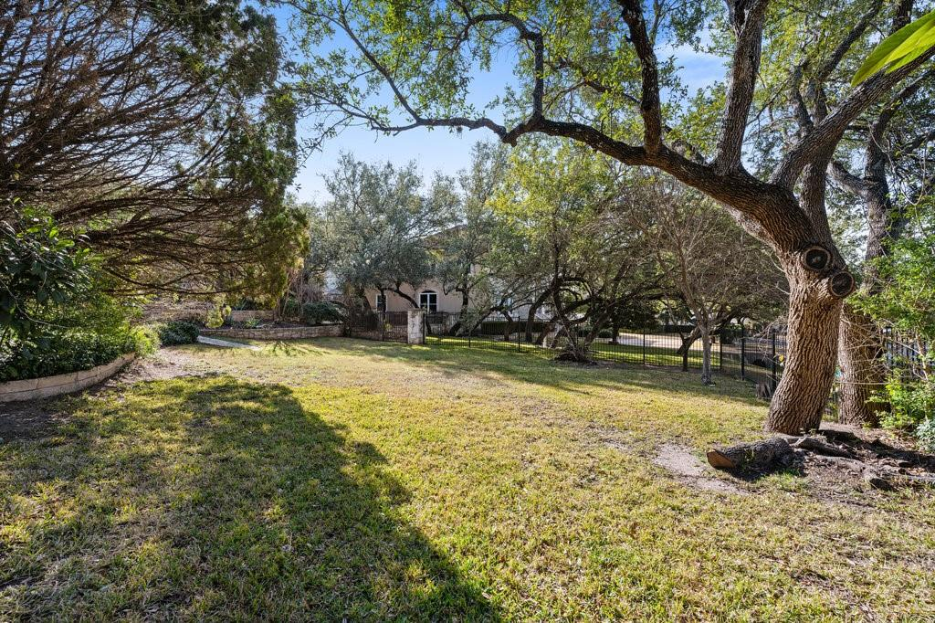 Closed | 51 Cottondale Road The Hills, TX 78738 35