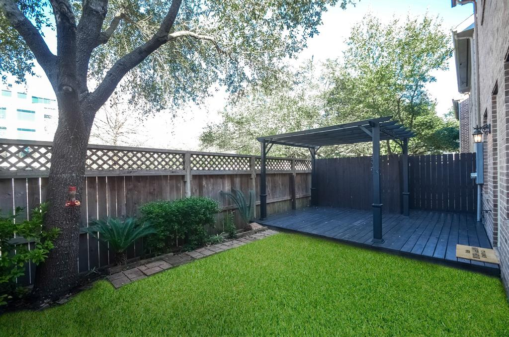 Off Market | 10018 Holly Chase Drive Houston, Texas 77042 29