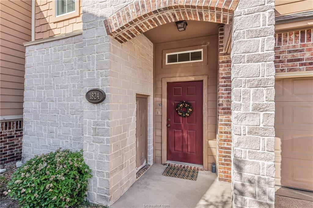 Closed | 1824 W Villa Maria Road Bryan, TX 77807 1