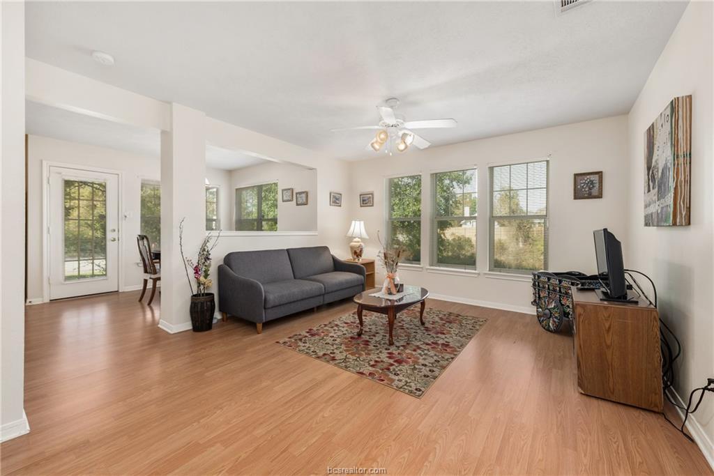 Closed | 1824 W Villa Maria Road Bryan, TX 77807 4