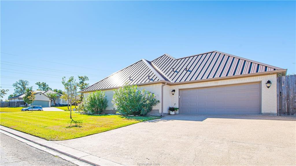 Closed | 309 Stoney Hills Court College Station, TX 77845 3