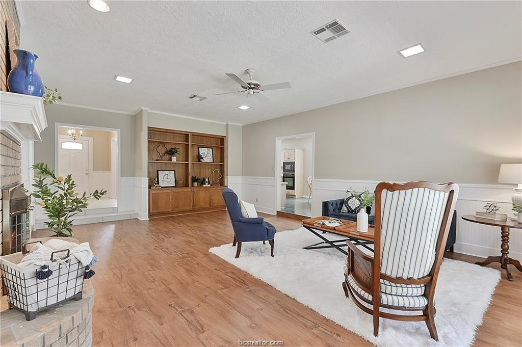 Pending | 8716 Bent Tree Drive College Station, TX 77845-5546 7