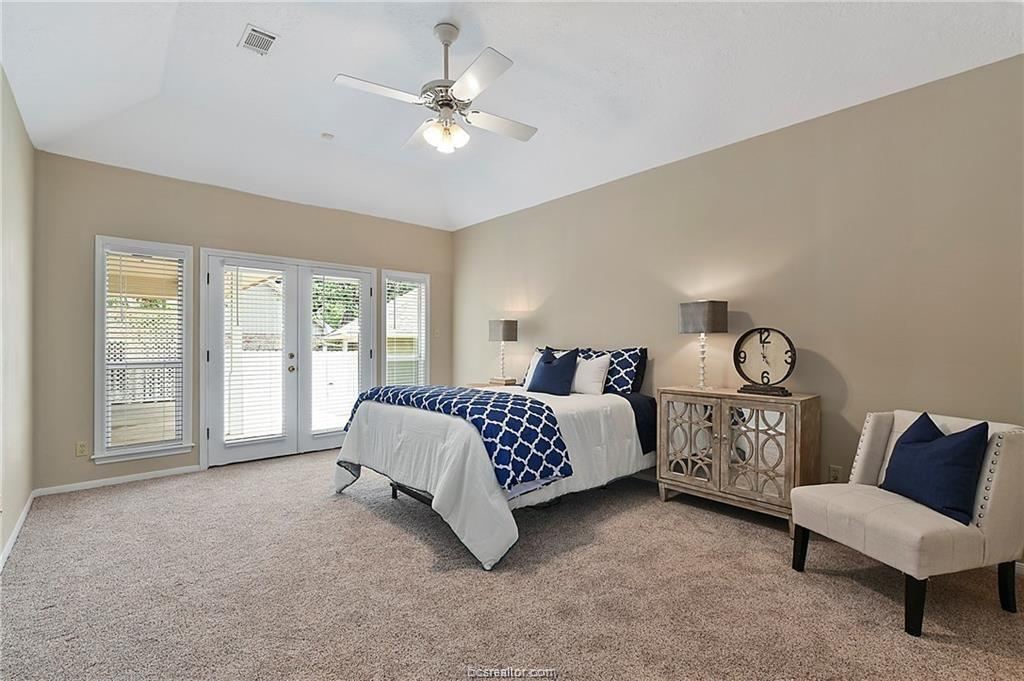 Pending | 8716 Bent Tree Drive College Station, TX 77845-5546 17
