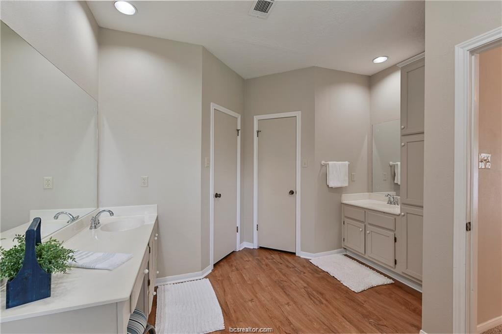 Pending | 8716 Bent Tree Drive College Station, TX 77845-5546 20