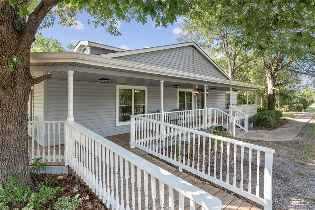 Closed | 7779 CR 461 Normangee, TX 77871 4