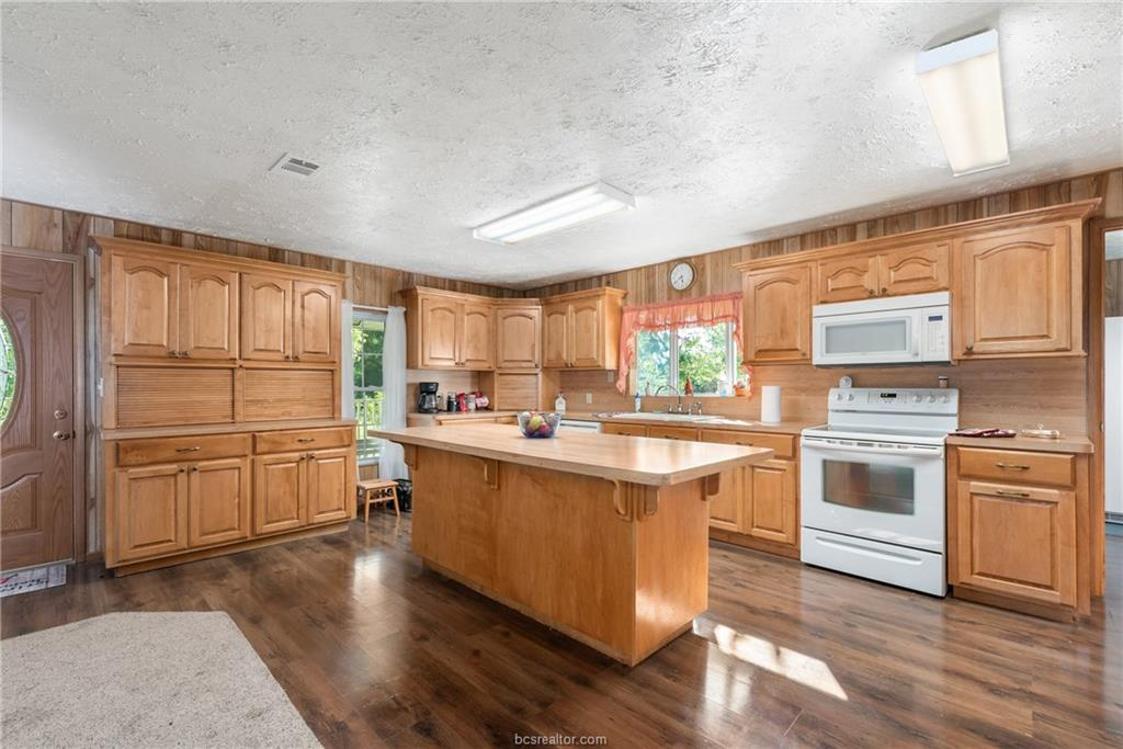 Closed | 7779 CR 461 Normangee, TX 77871 9