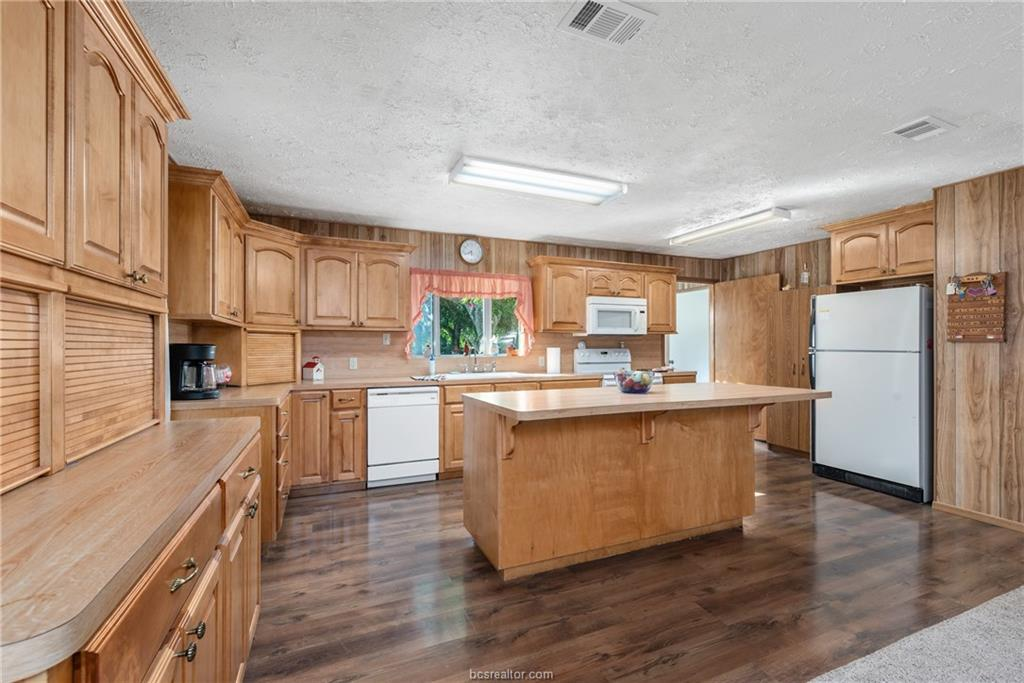 Closed | 7779 CR 461 Normangee, TX 77871 10