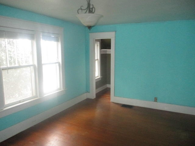 Baxter Springs Foreclosures | 539 Grant Ave Baxter Springs, KS 66713 7