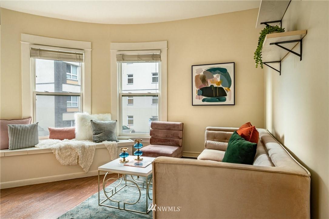 Sold Property | 115 Bellevue Avenue E #105 Seattle, WA 98102 4