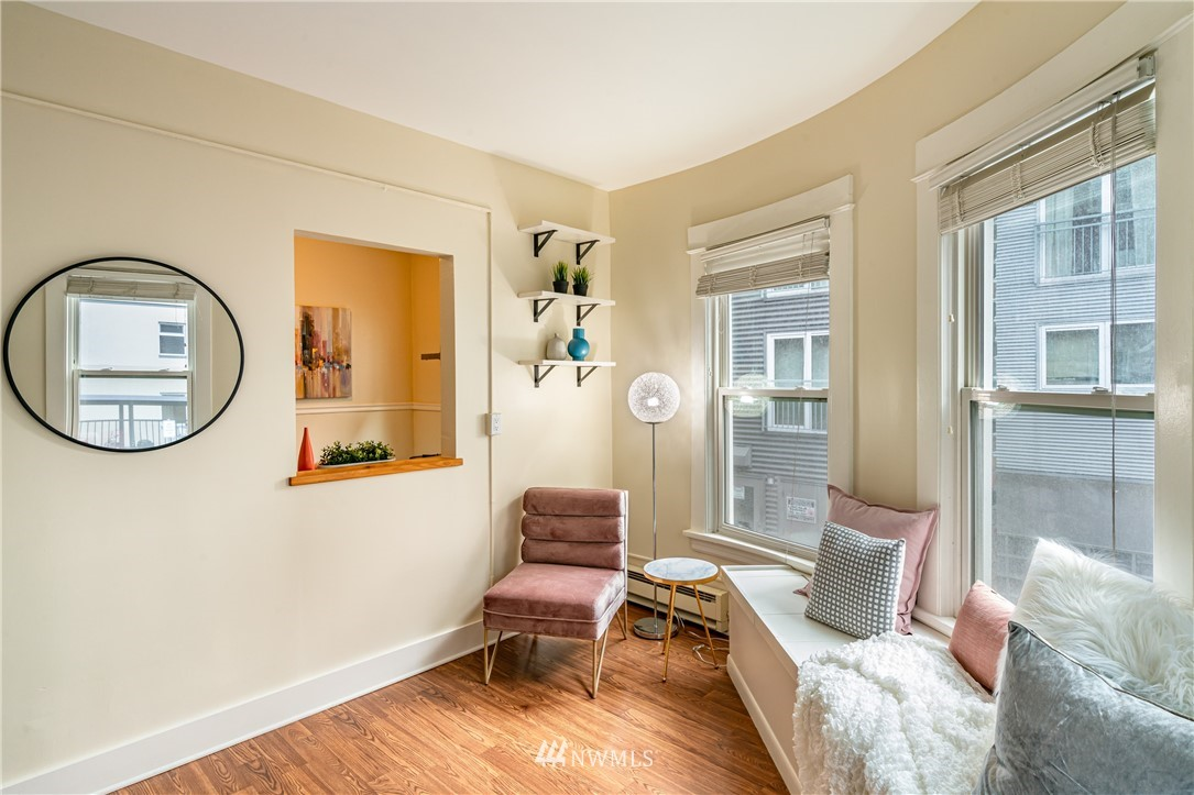 Sold Property | 115 Bellevue Avenue E #105 Seattle, WA 98102 6