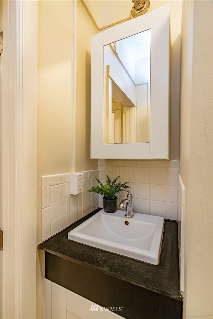 Sold Property | 115 Bellevue Avenue E #105 Seattle, WA 98102 14