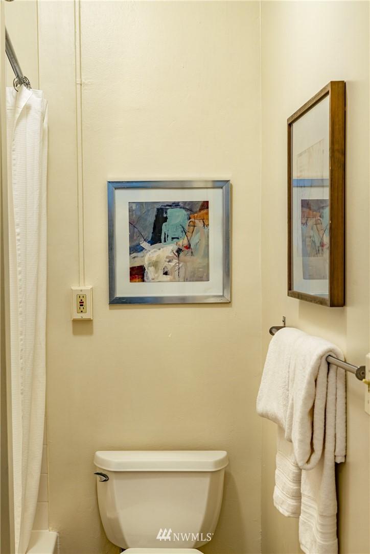 Sold Property | 115 Bellevue Avenue E #105 Seattle, WA 98102 15