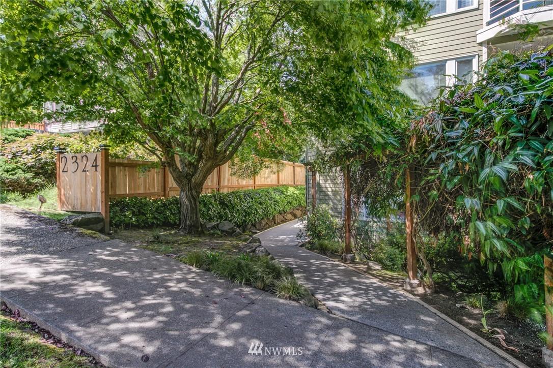 Sold Property | 2324 W Newton #301 Seattle, WA 98199 3