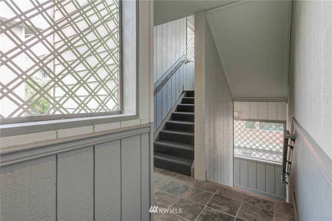 Sold Property | 2324 W Newton #301 Seattle, WA 98199 5