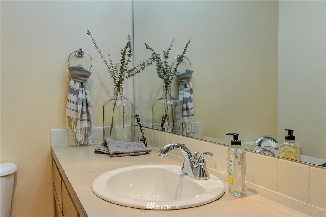Sold Property | 2324 W Newton #301 Seattle, WA 98199 9