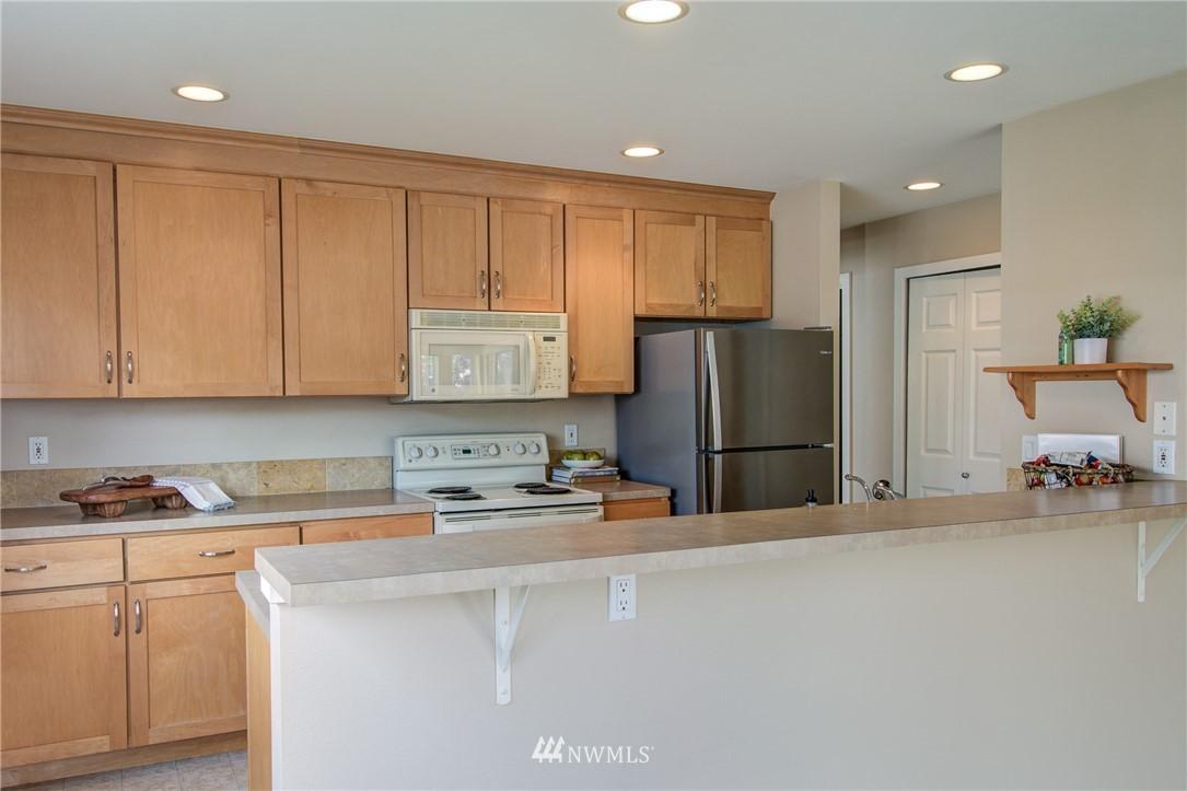 Sold Property | 2324 W Newton #301 Seattle, WA 98199 15