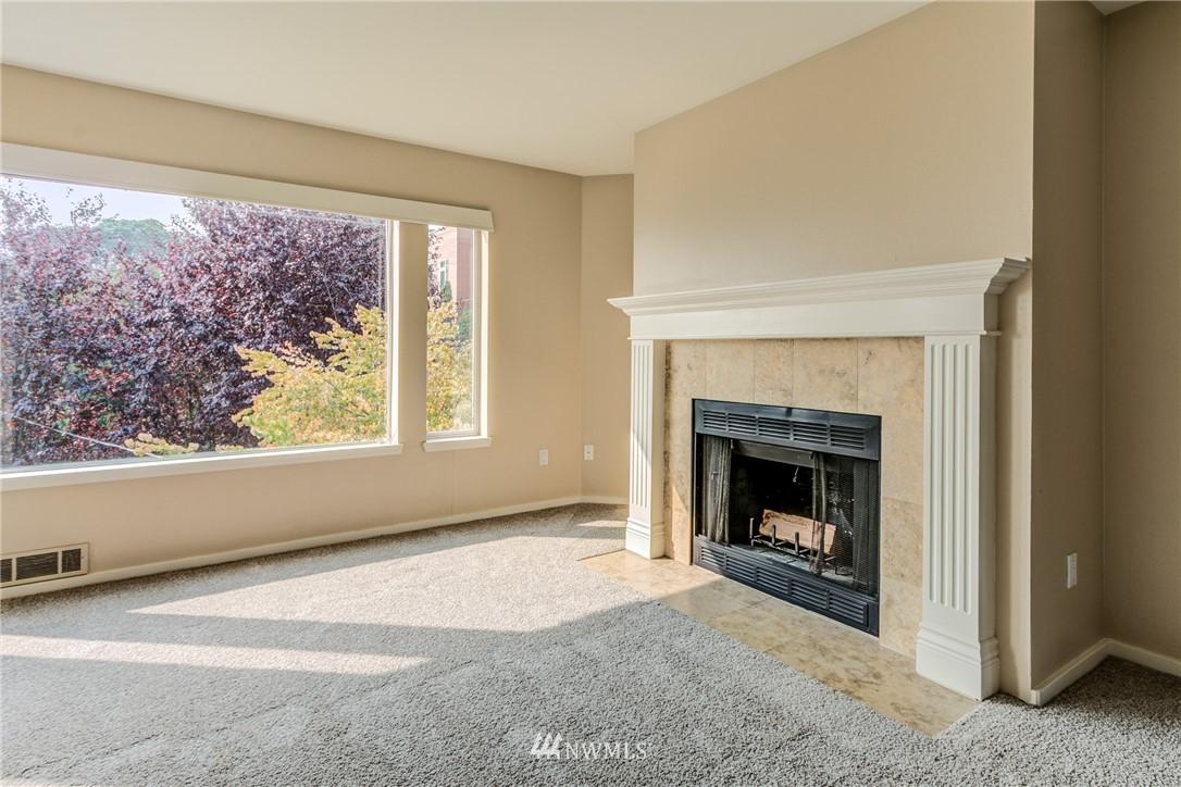 Sold Property | 2324 W Newton #301 Seattle, WA 98199 17