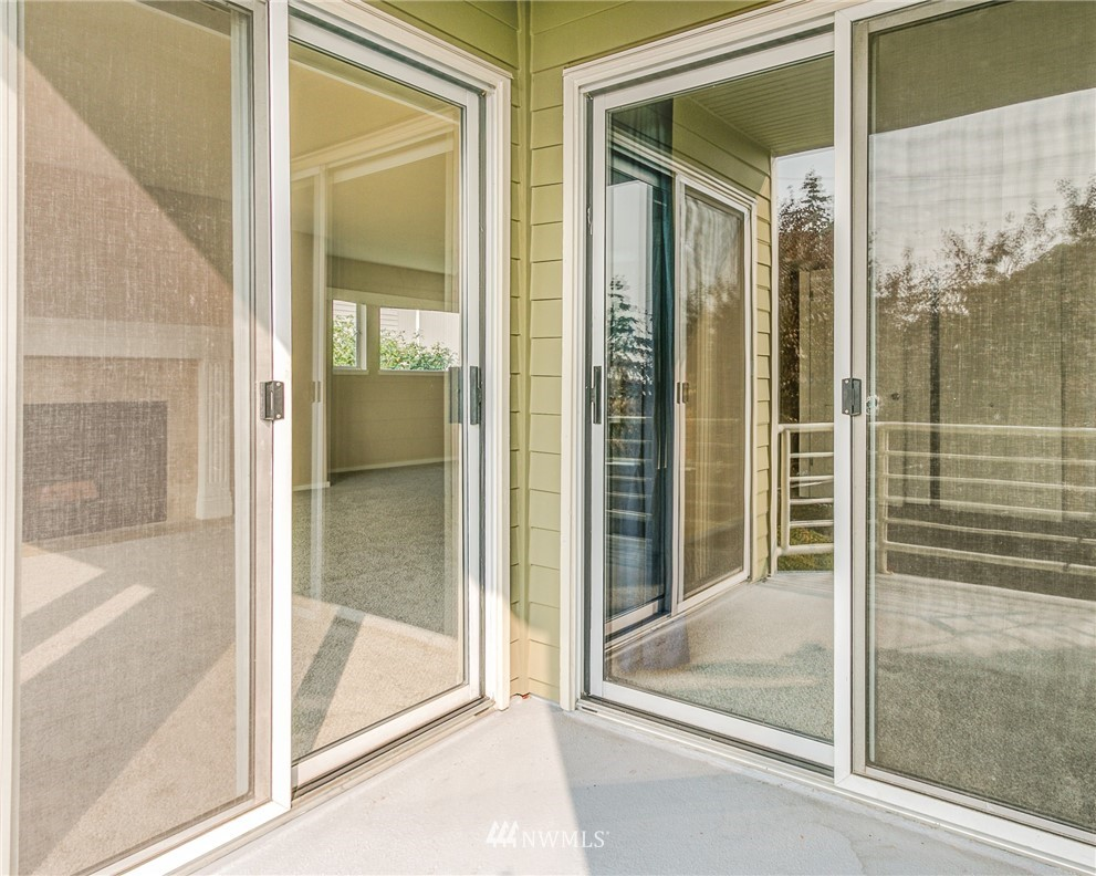 Sold Property | 2324 W Newton #301 Seattle, WA 98199 21