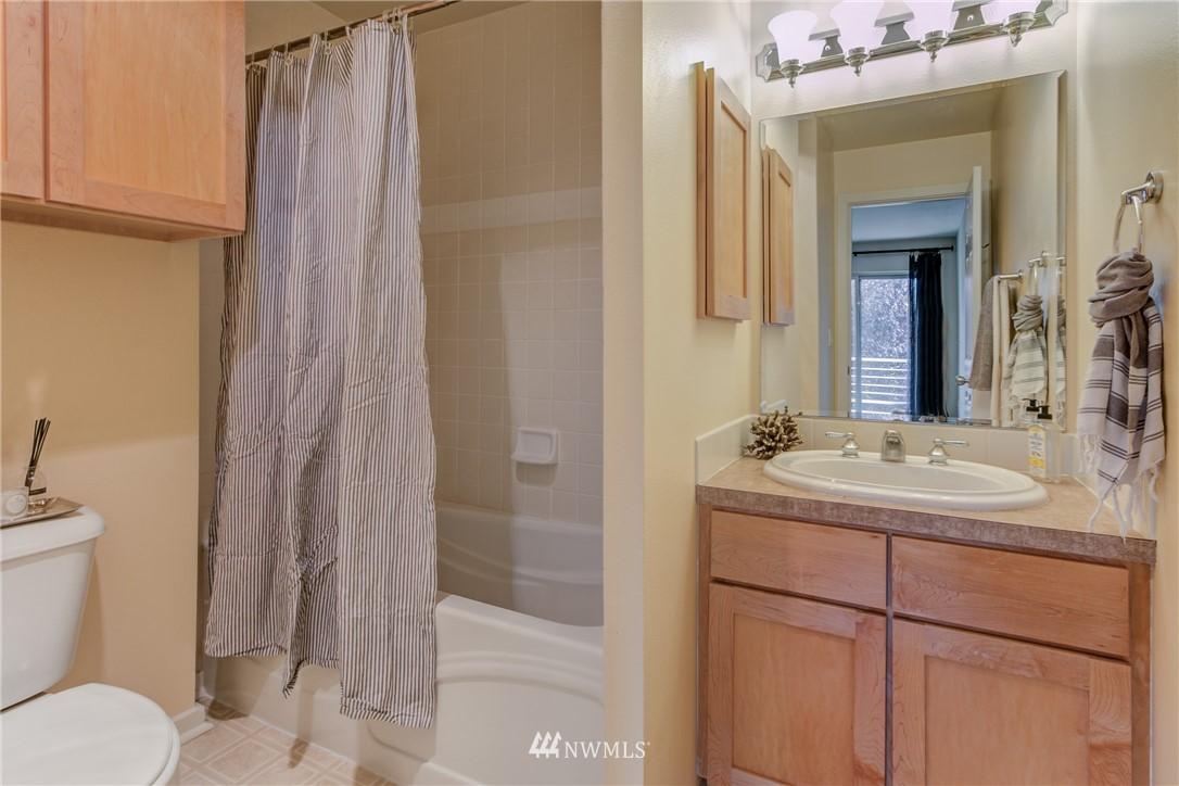 Sold Property | 2324 W Newton #301 Seattle, WA 98199 24