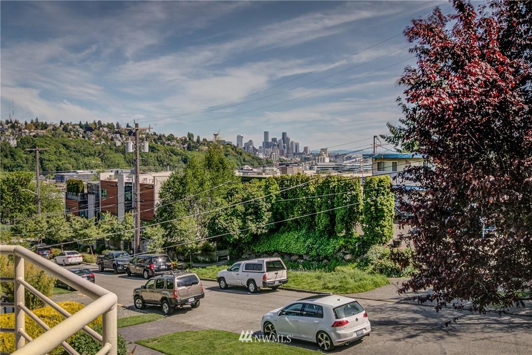 Sold Property | 2324 W Newton #301 Seattle, WA 98199 26