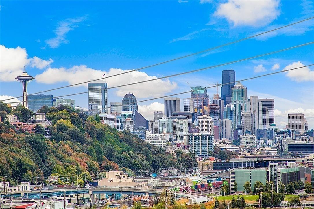 Sold Property | 2324 W Newton #301 Seattle, WA 98199 28