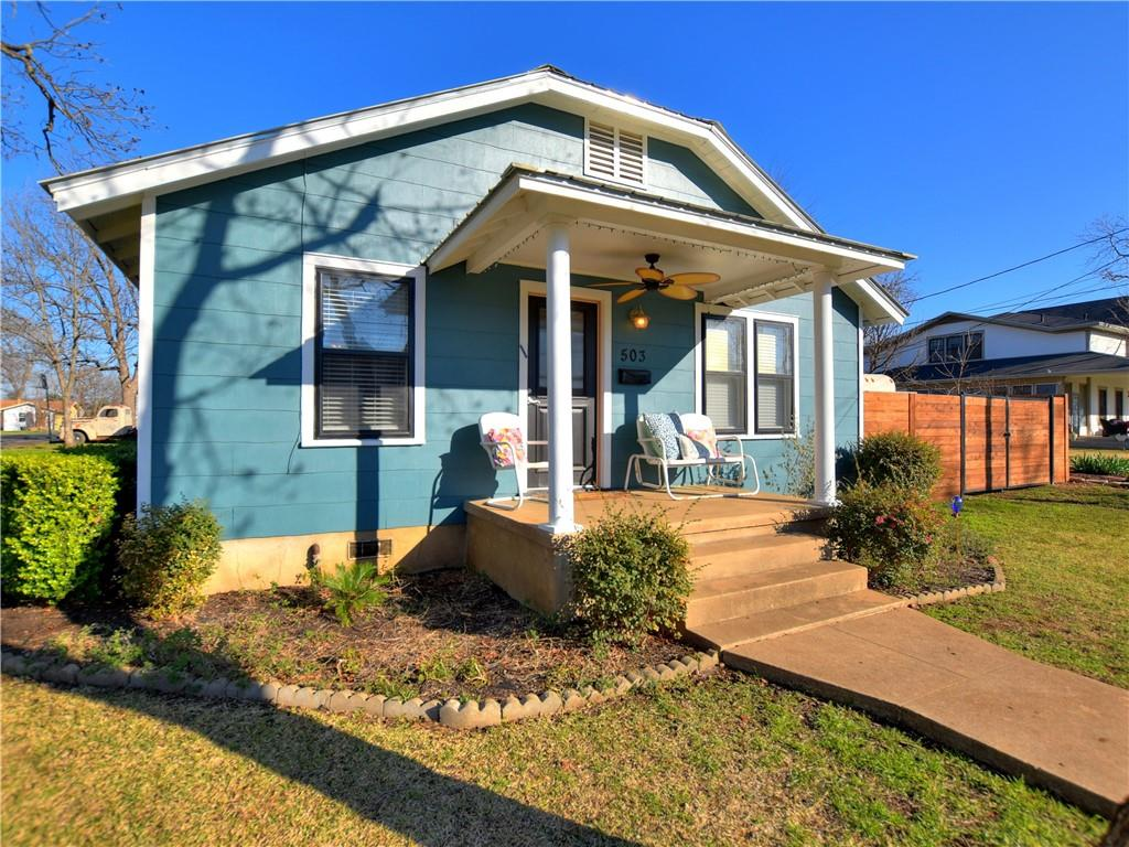 Closed | 503 S Walnut Street Georgetown, TX 78626 3