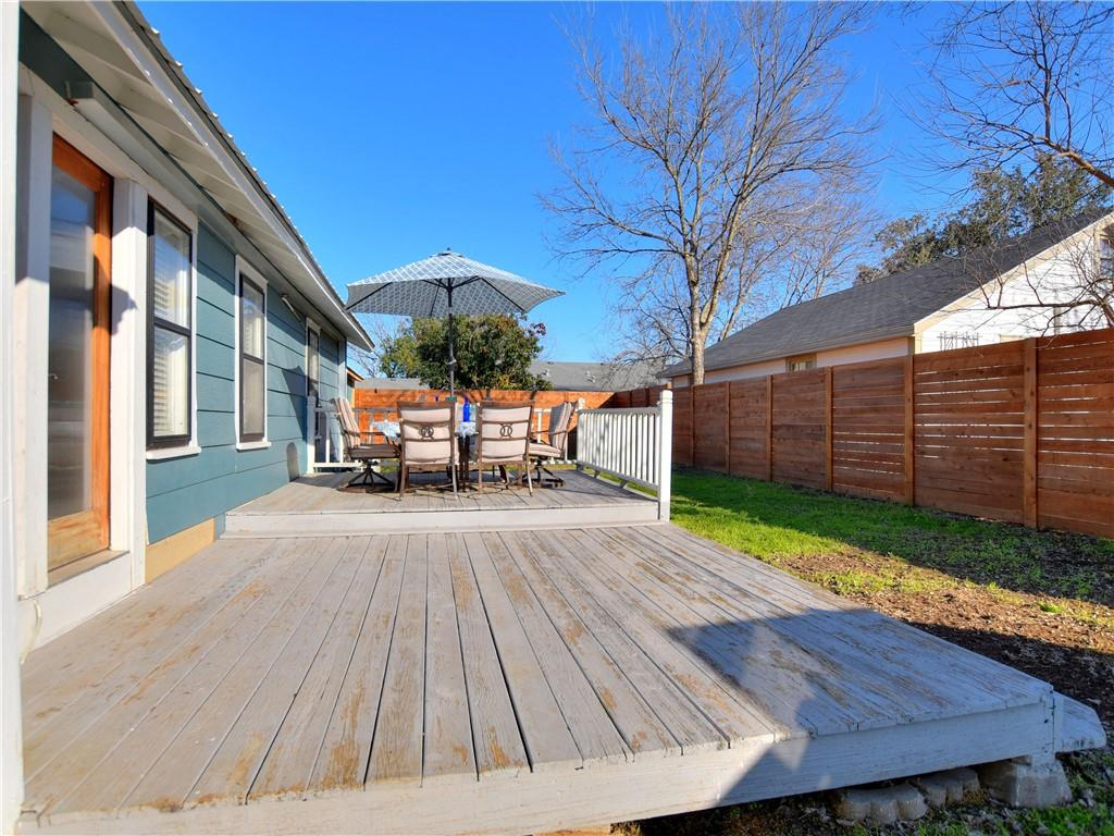 Closed | 503 S Walnut Street Georgetown, TX 78626 23