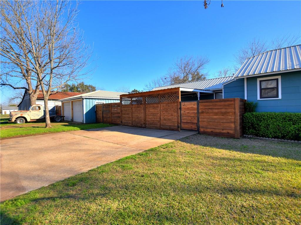 Closed | 503 S Walnut Street Georgetown, TX 78626 26