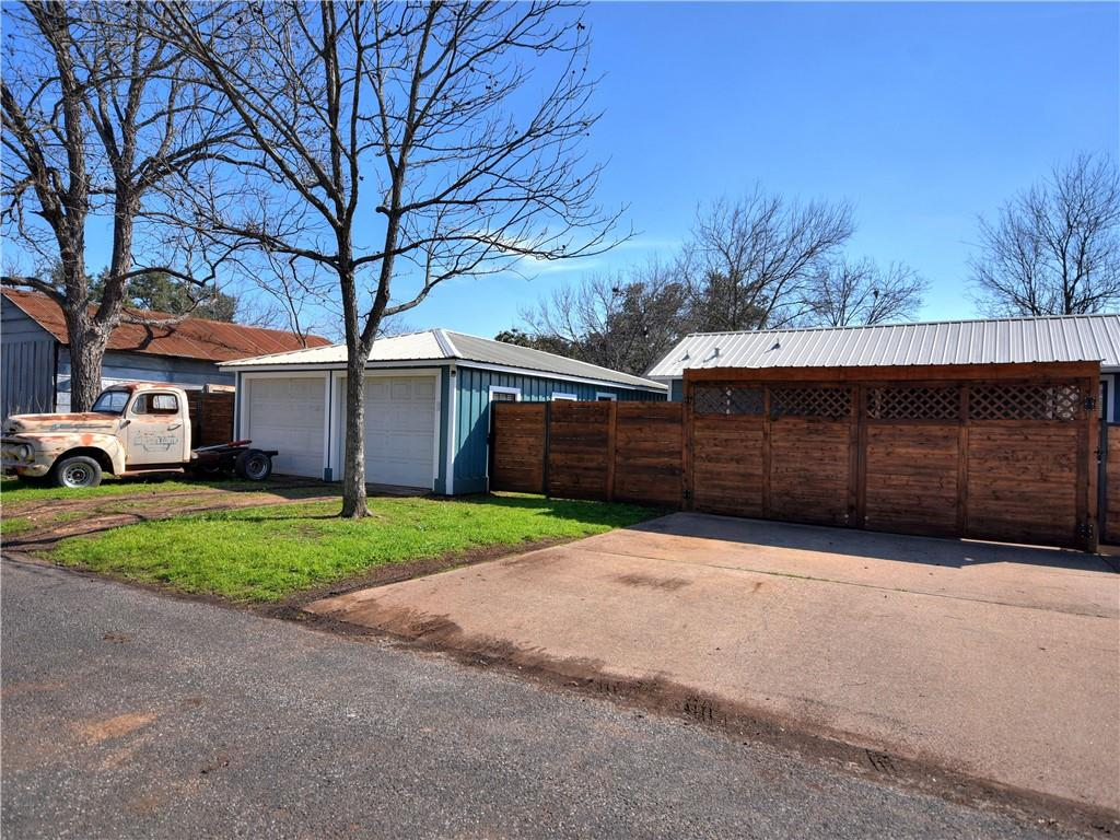 Closed | 503 S Walnut Street Georgetown, TX 78626 29