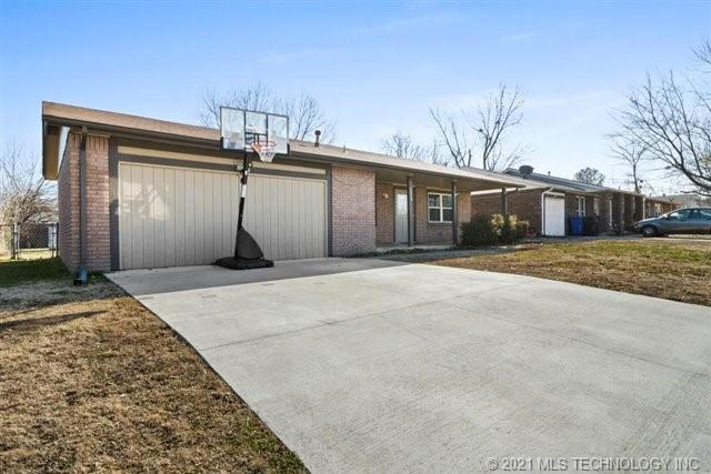 Off Market | 1213 S Maple Place Broken Arrow, Oklahoma 74012 1