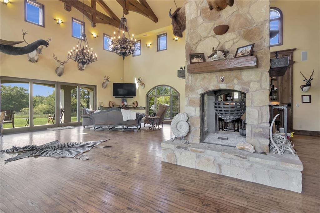 Active | 12915 Shore Vista Drive Austin, TX 78732 16