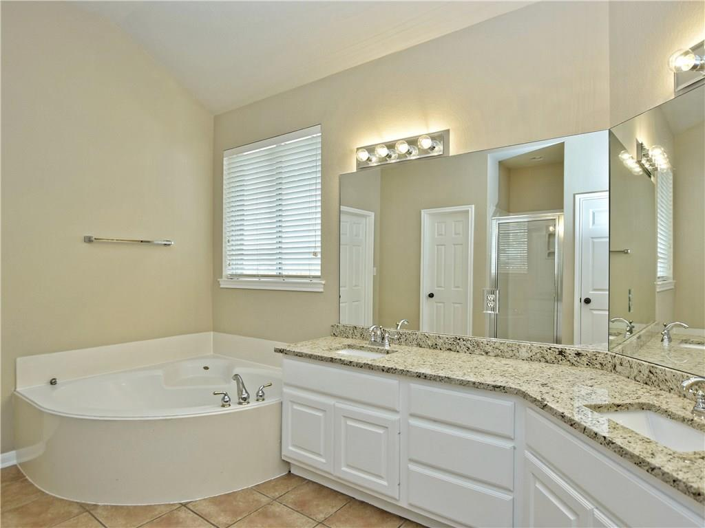 Closed   2912 Persimmon Valley Trail Austin, TX 78732 14