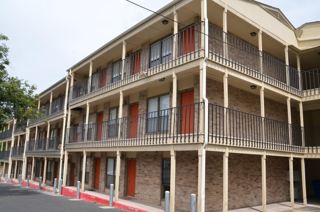 Closed | 3000 Guadalupe Street #207 Austin, TX 78705 0