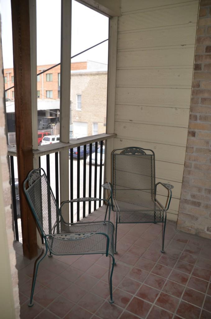 Closed | 3000 Guadalupe Street #207 Austin, TX 78705 6