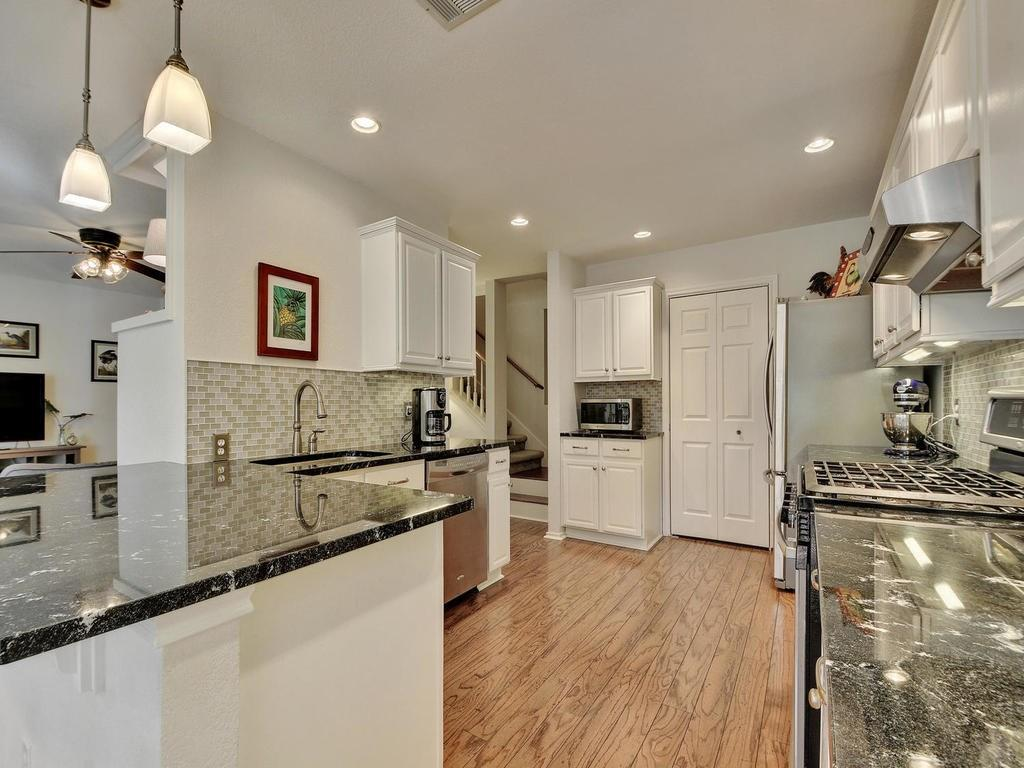Closed | 112 CANYON Road Georgetown, TX 78628 9