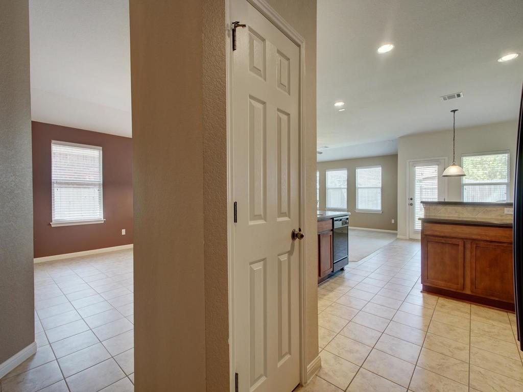 Closed   18800 Wind Valley Way Pflugerville, TX 78660 10