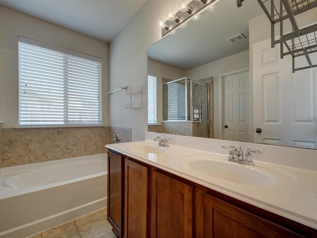 Closed   18800 Wind Valley Way Pflugerville, TX 78660 21