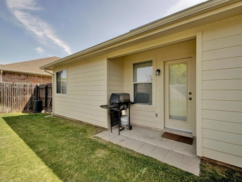 Closed   18800 Wind Valley Way Pflugerville, TX 78660 32