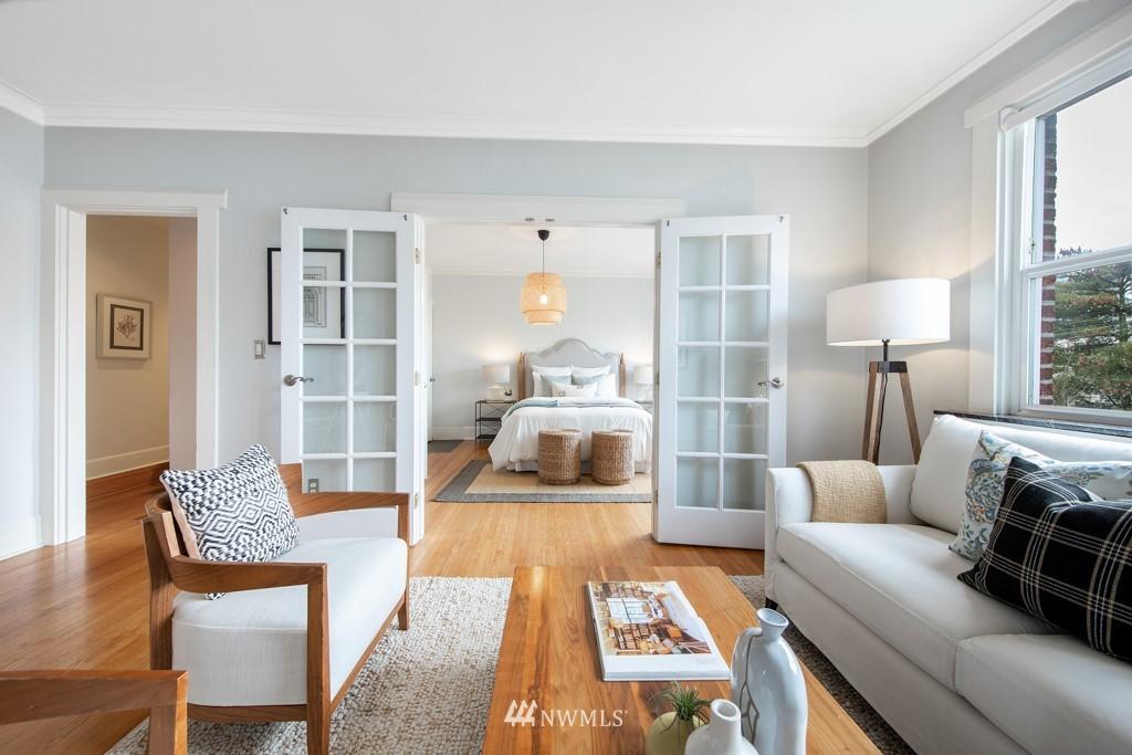 Sold Property | 214 Summit Avenue E #402 Seattle, WA 98102 2